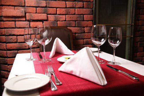 vynas, stalas, prabanga, pietauti, vyno taurė, restoranas, viduje, stiklo dirbiniai, gerti, sidabro dirbiniai, viešbutis, alkoholis, elegantiškas, patalpose, kėdė, be honoraro mokesčio