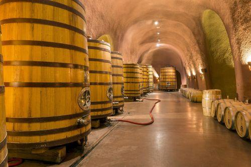 vyno rūsys,urvai,tunelis,statinės,konteineriai,arkotos alkstinės,architektūra,napos slėnis,Vaca kalnai,Kalifornija,jarvis vyno darykla,usa