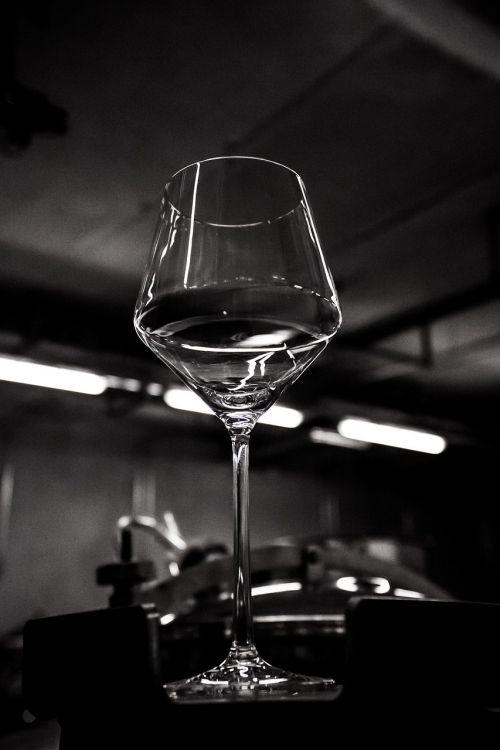 vyno taurė,keller,šviesa,šešėlis,apšvietimas