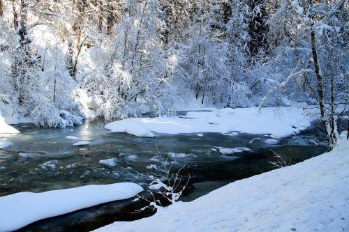 žiema,upė,medžiai,sniegas,Bachas,kraštovaizdis,žiemą,šaltas,šaltis,ledinis,gamta,saulė,saulėta diena,žiemos laikas,snieguotas,žiemos svajonė,spalvingas,ledinis šaltas,ledinis,sušaldyta,Gorge,slėnis,vanduo,Adventas,Kalėdos,pasaka