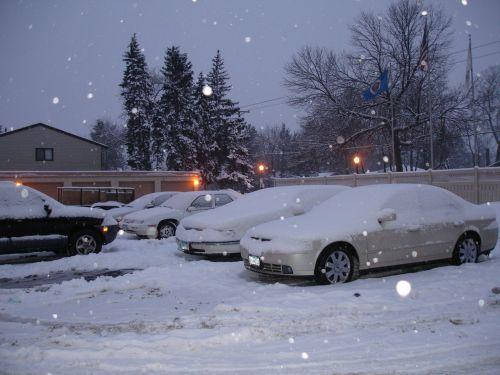 žiema,automobiliai,automobilių stovėjimo aikštelė,sniegas,padengtas,snieguotas,sušaldyta,minnesota,Mineapolis