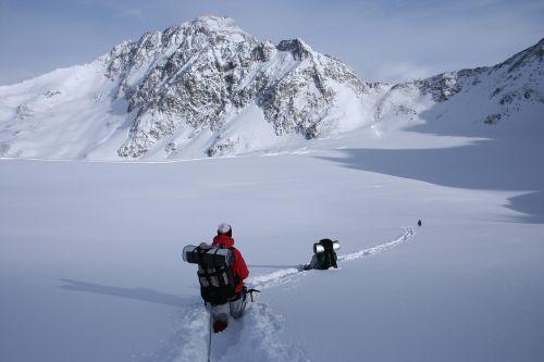 Žiemos Žygis, Snieguotas Kalnas, Alpės, Žygiai, Wildspitze, Atokumas, Izoliacija, Laisvė, Miltelių Sniegas, Slidinėjimo Turizmas, Alpinizmas, Sniegas, Nuotykis, Kalnai, Kraštovaizdis, Lauke, Kalnų Peizažas, Gilus Sniegas, Baltas Sniegas, Iššūkis