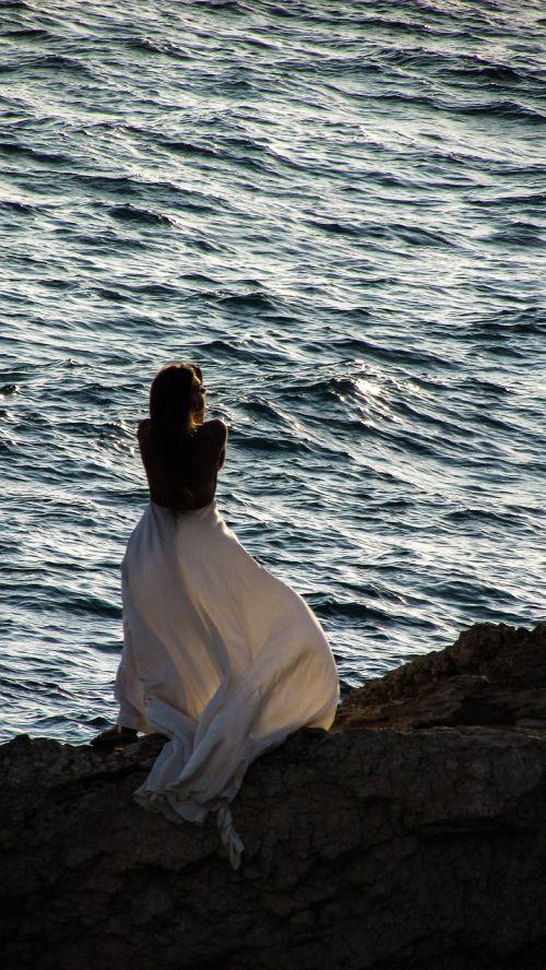 moteris,saulėlydis,jūra,Rokas,saulė,vasara,romantiškas,šešėlis,uolos,suknelė,balta,modelis,mergaitė