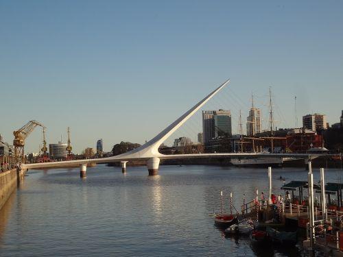 moteriškas tiltas,puerto madero,Buenos Airės