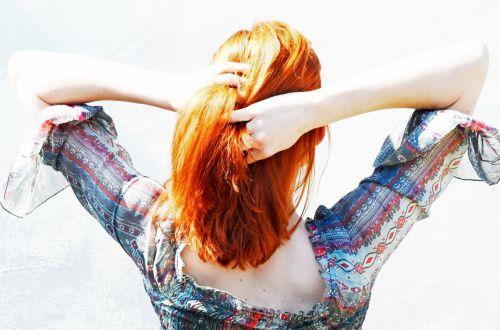 moteris, plaukai, šukuosenos, galinis, apverstas, rankos, mergaitė, žmonės, suknelė, pavasaris, vasara, gražus, tapetai, kamila, hodan, mada, moteris žaisdama savo plaukais