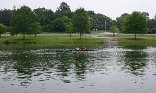 moteriškos skalbyklos irklavimas,skulptūra,dvi moterys,moterys,Irklavimas,Sportas,clinc upė,Meltono ežeras,Tennessee,veikla