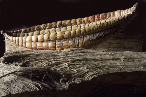 mediena,struktūra,medžiaga,tekstūra,medienos medžiaga,tamsi,pynimas