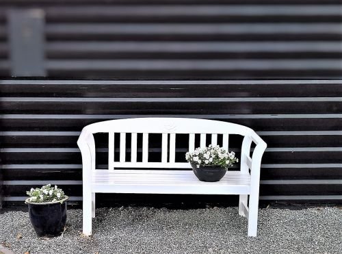 medinis stendas,sodo stendas,sėdimieji baldai,baltos spalvos,graži vieta,balta pansija,poilsis,susigrąžinti,apdaila