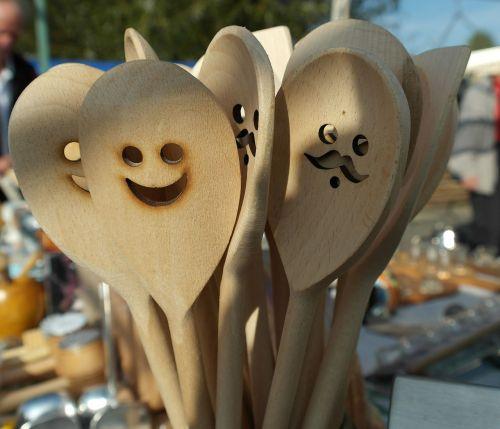 medinis šaukštas,šaukštas,indai,virėjas,maišyti,mediena,juokinga,laimingas,iškirpti,raižiniai