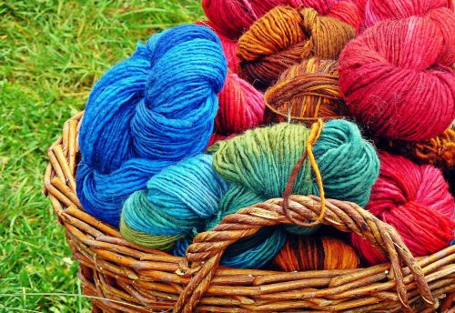 vilnos,mezgimo vilnos,katės lopšys,trikotažas,mezgimas,Vilnos siūlai,rankų darbas,hobis,atšilimas,apranga,spalvinga,spalva,minkštas,Uždaryti,šiltas,krepšelis,pinti krepšeliai,linksma