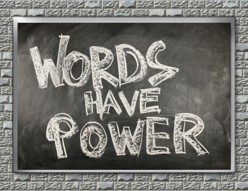 lentynas, žodžiai, jėga, energija, įtikinimas, nuosprendis, šiferis, kreida, rašymas, prasme, galia, žodžiai turi galią