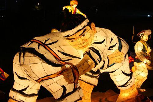 imtynės,žibintų festivalis,Cheonggyecheon srautas,kkotdeung festivalis,izometrinis straipsnis
