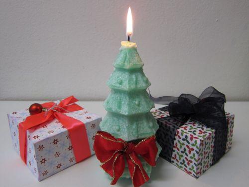 xmas tree,Kalėdų eglutė,žvakė,xmas,žalias,dovanos,pateikti,šventė,pušis,juosta,dekoratyvinis