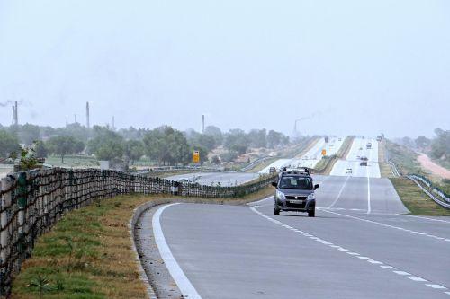 Yamuna greitkelis,delhi-agra,taj greitkelis,Indija,greitkelis,gatvė,kelias,eismas,miesto