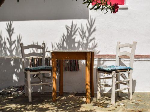 kiemas,stalas,kėdės,namas,raudona,kampas,architektūra,tradicinis,sala,graikų kalba,Viduržemio jūros,chora,skopelos,Graikija