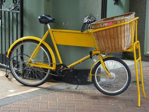 dviračiai, pristatymas, krepšelis, krepšeliai, gabenimas, ratas, įranga, eismas, dviratis, ciklą, kelias, gatvė, miesto, dviračiu, dviratis, dviratis, dviratis & nbsp, važiavimas, dviračiai, dviračiu, dviratininkas, ciklai, dviratininkai, geltonas pristatymas dviratis