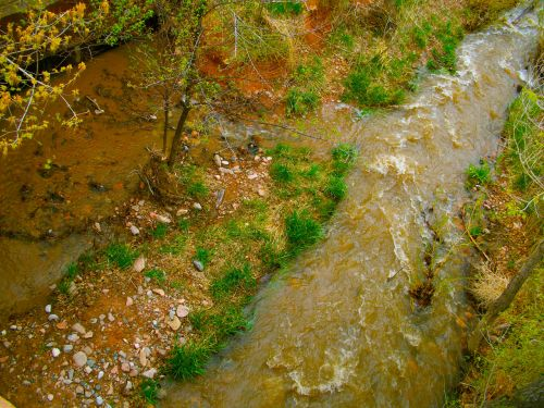 upė, srautas, upelis, vanduo, kritimas, ruduo, geltona upė teka