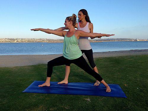 joga prie įlankos,joga,lauko joga