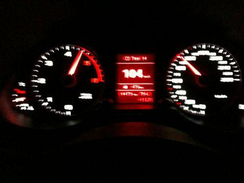 jaunas,naktinis važiavimas,greitkelis,bloga vista