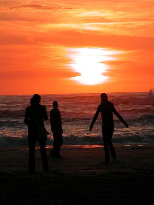 zandvoort,Nyderlandai,holland,noord holland,kranto,ežeras,saulėlydis,žmogus,draugai,vasara,papludimys,mergaitė,jūra,vandenynas,draugas,šventė,linksma