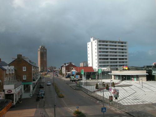 zandvoort,Nyderlandai,holland,noord holland,kranto,ežeras,dangus,vandens bokštas,debesys,vanduo,miestas