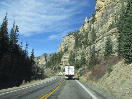 Sion nacionalinis parkas,nacionalinis stebuklas,nacionalinis,parkas,gamta,zion,stebuklas,Utah,kanjonas,amerikietis,kalnas,usa,Rokas,smiltainis,pietvakarius,dangus,akmuo,slėnis,kraštovaizdis,žygiai,uolos,oranžinė,debesis,antena,nuostabus,lapija,saulėtas,vaizdas,piko,natūralus,žygis,geltona,mėlynas