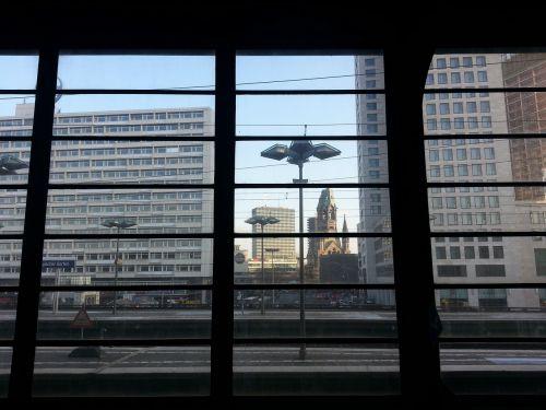 zoologijos sodo geležinkelio stotis,Berlynas,kapitalas,perspektyva,gedächtniskirche,perspektyva,pastatas