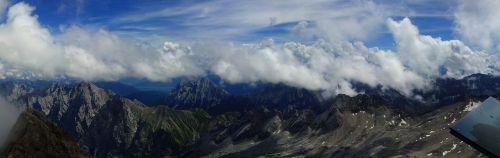 zugspitze,kalnas,kalnų,gamta,kalnų žygiai,žygiai,aukščiausių kalnų,Vokietija,debesys,saulė,panorama,šventė,laisvalaikis,alpinizmas,aukščiausiojo lygio susitikimas,dangus,tolimas vaizdas,Alpių,zugspitze masyvas,kalnų peizažas